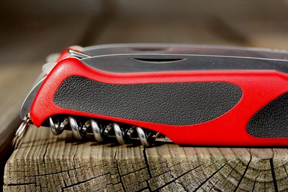 картинка Нож Victorinox RangerGrip 68 0.9553.C от магазина ma4ete